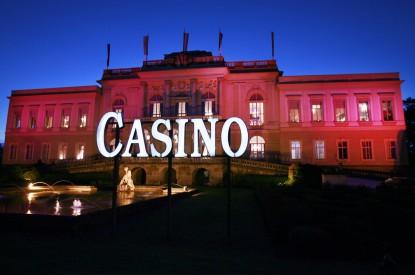 casino shareholder